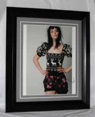 "A329 KRYSTEN RITTER - ""BREAKING BAD"" SIGNED"